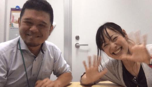 ろう者で、日本手話を第一言語とする柳さんと、聴覚障害児教育対談